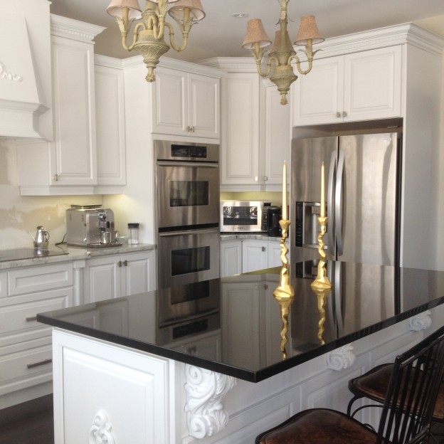 Spray Painted Kitchen Cabinets Done In Sherwin Williams Kem Aqua Lacquer Professional Kitchen Cabinet Painting And Refinishing Services In Oakville Burlington Mississauga Milton