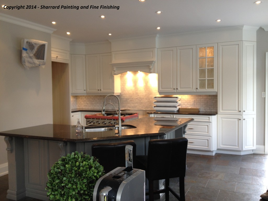 Kitchen Cabinet Painters in Oakville, Burlington and Mississauga