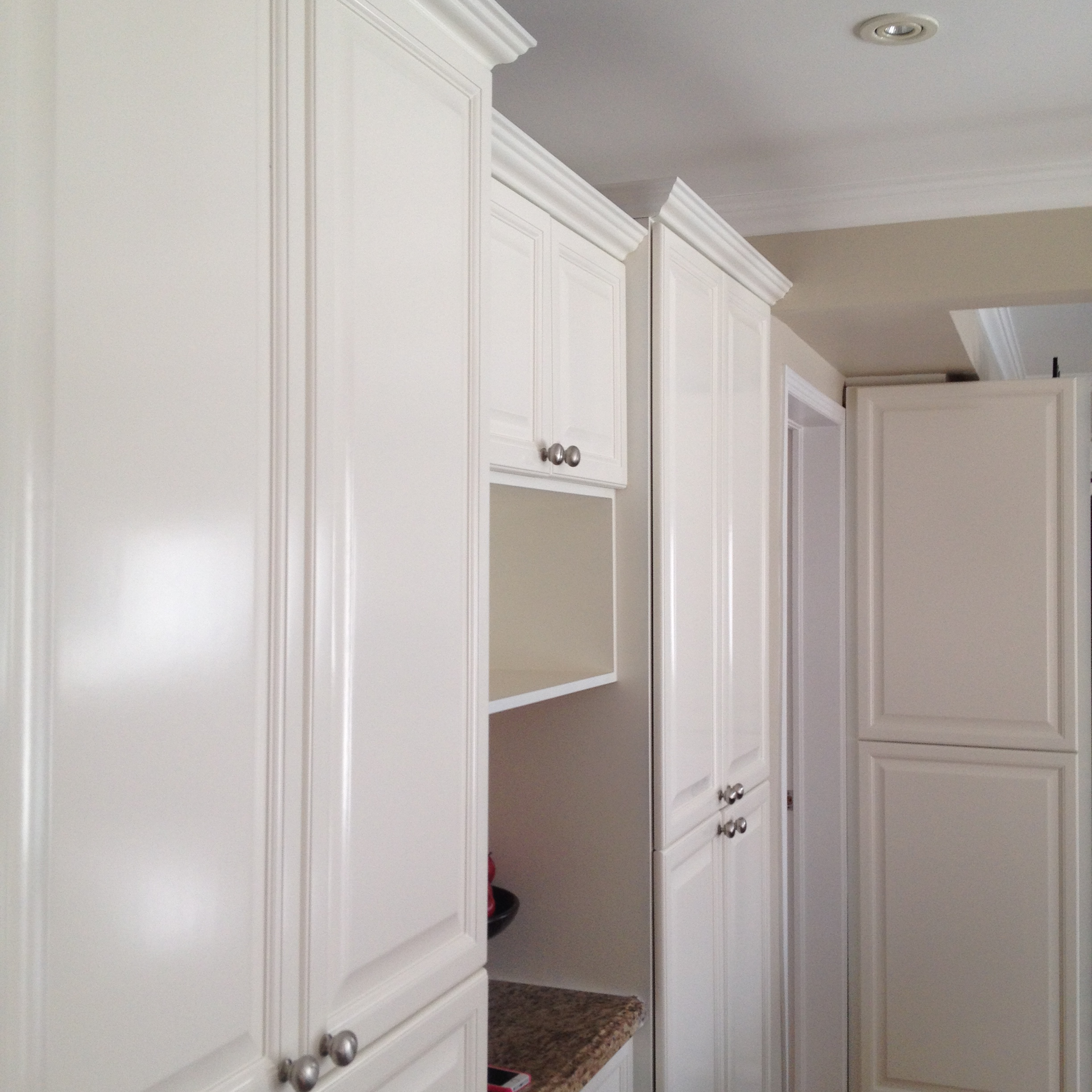 White Kitchen Cabinets Refinishing: Spray Painted Kitchen Cabinets